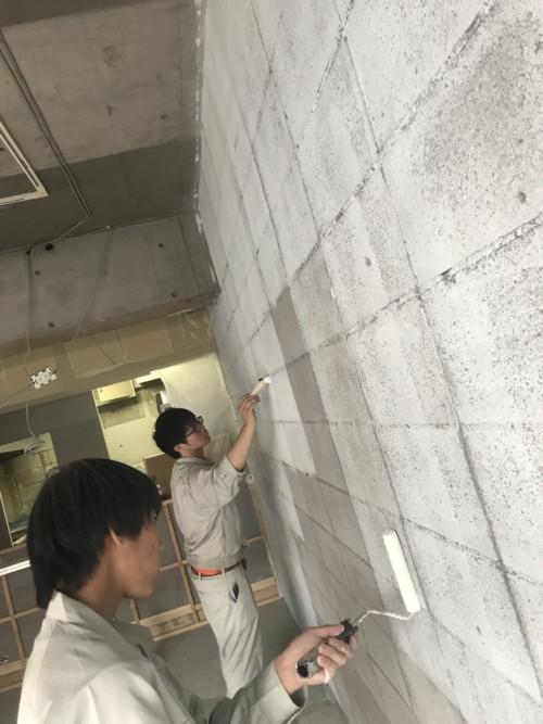 シャビー仕上げの壁