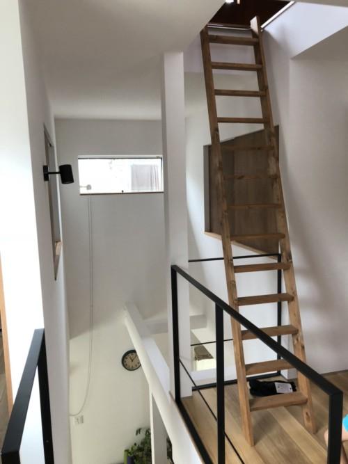 階段手摺にネット